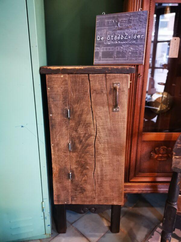 houten kastje - De StadsZolder - Winkel - Ontruimingen