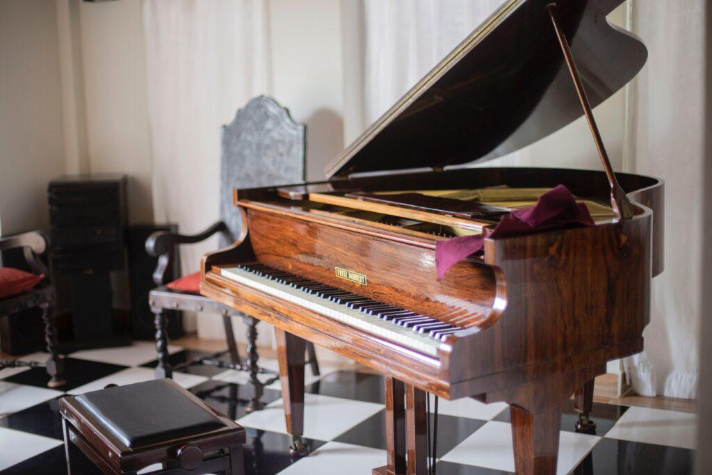 Piano / Antiek transport